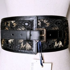 🆕NWT Olivia Palermo x BR Black and Gold Belt